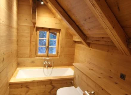 Salle de bains en vieux bois